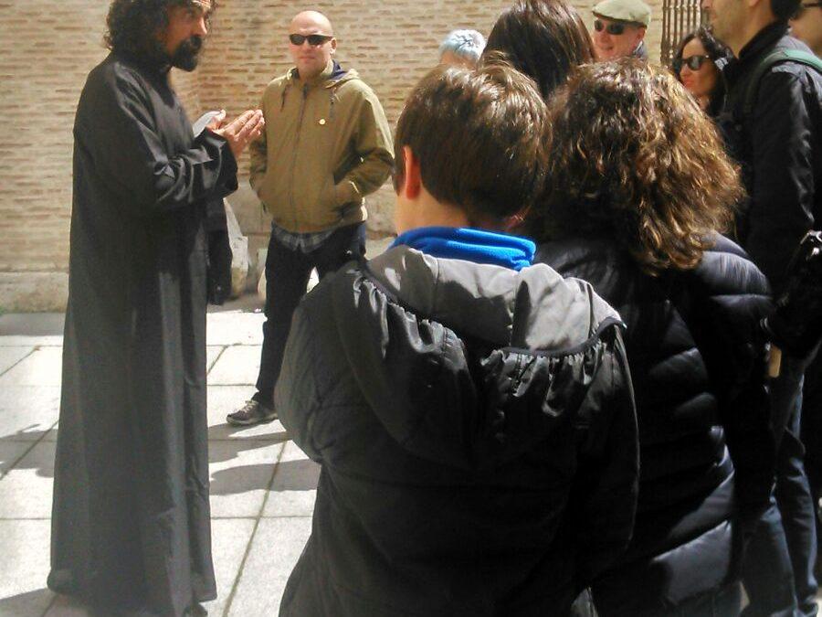 Comienzan las visitas teatralizadas por la Medina histórica.